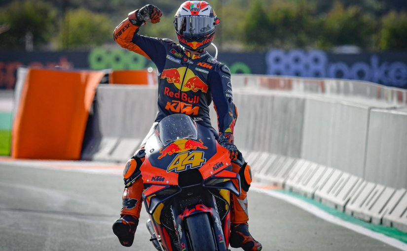 Pol Espargaro secures pole position at a wet qualifying inValencia